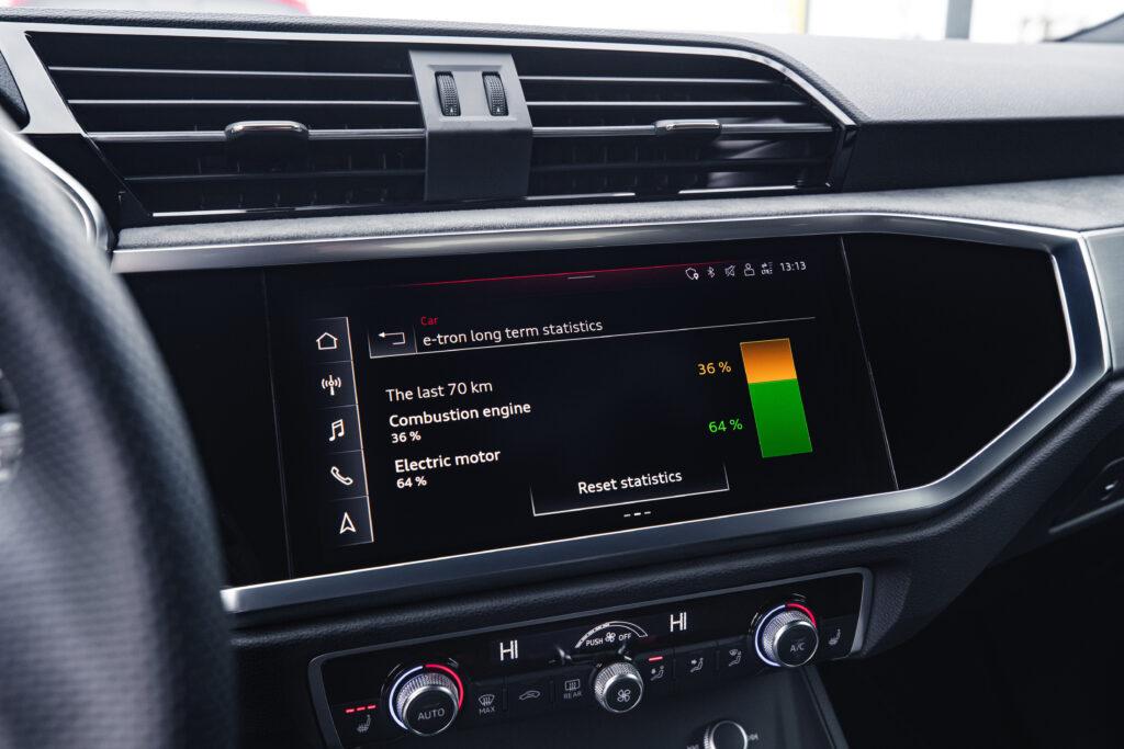 Audi Q3 plug in