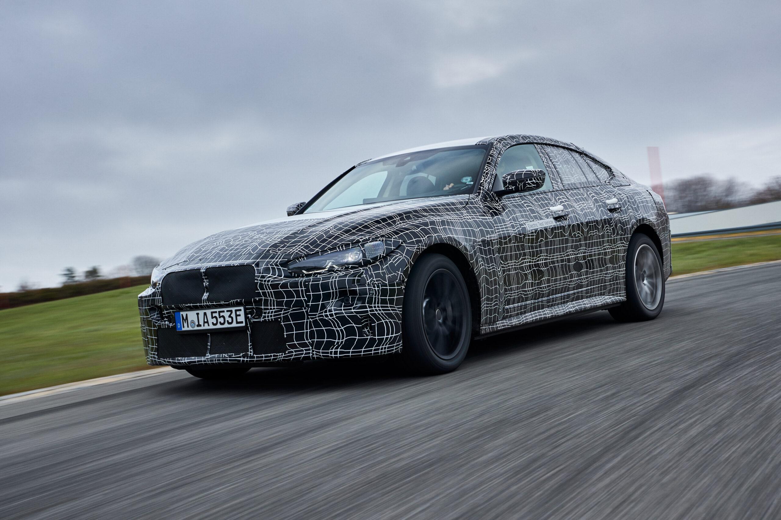 BMW lover: Ny i4'er elsker sving