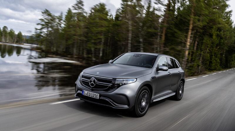 Mercedes EQC på vejen