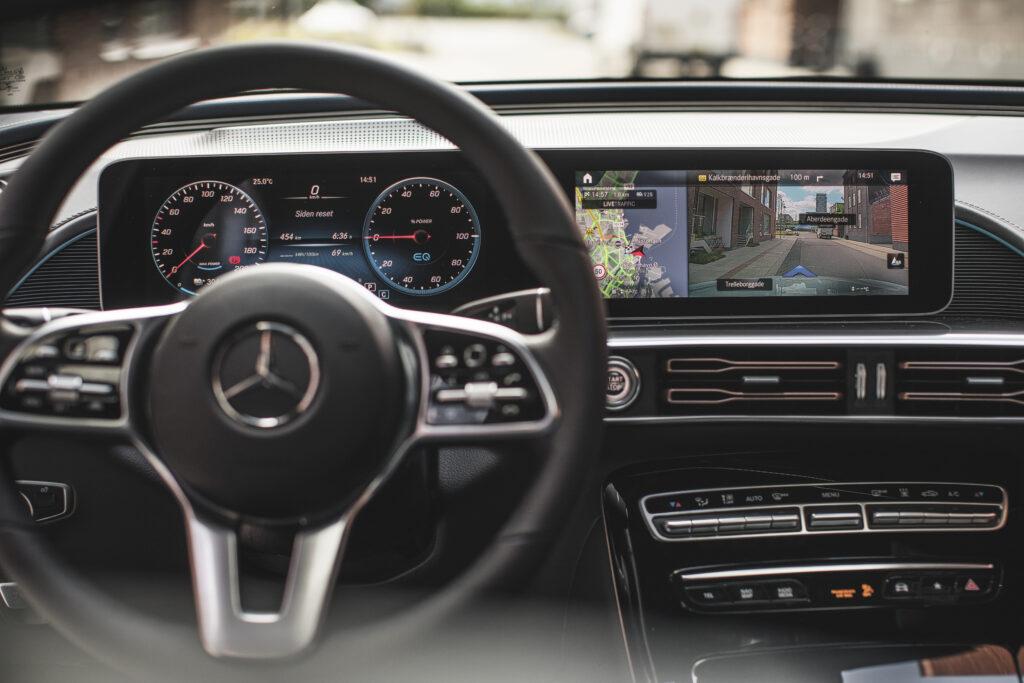 Mercedes EQC rat